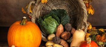 jesienne-sałatki-z-sezonowych-warzyw