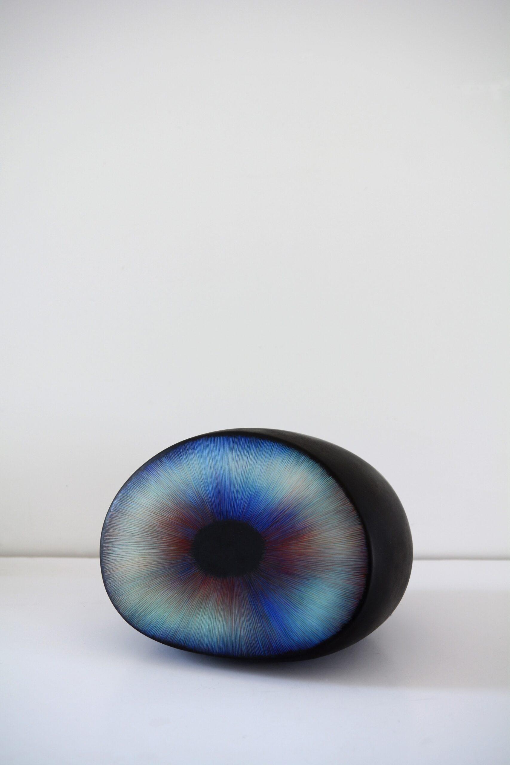 Magdalena Moskwa bez tytułu / Untitled, nr. 96, 2019 zaprawa kredowa, olej i półka / chalk mortar, oil and shelf 23,00 x 18,00 x 21,00 cm