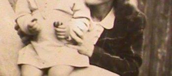 רות שוורץ ואמה 1941