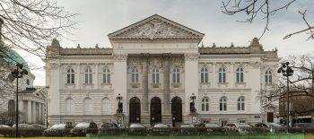 1920px-Zachęta_-_budynek_z_oddalenia
