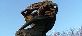 フリデリク・ショパン像